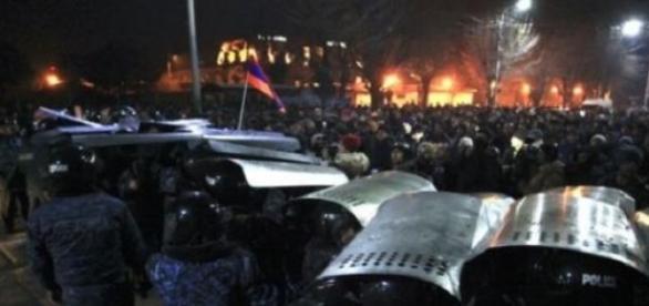 Les manifestations ont fait plusieurs blessés.