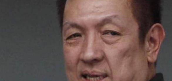 Peter Lim saca la cartera por la afición