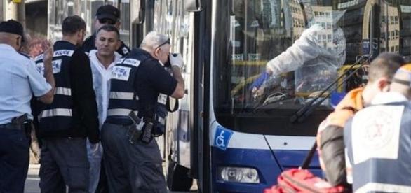 Ataque a ônibus em Tel Aviv na manhã desta quarta