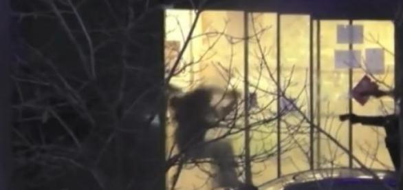 Fotograma del asalto al supermercado.