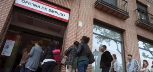 España vuelve a crear empleo