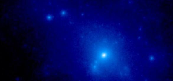 Extrañas partículas revelarían a la materia oscura