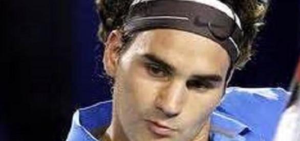 Federer crashes out in Melbourne to Seppi