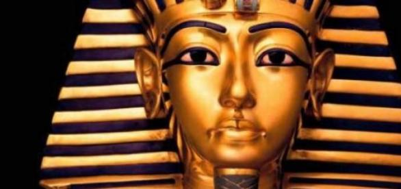Masca Faraonului Tutankhamon,deteriorata definitiv