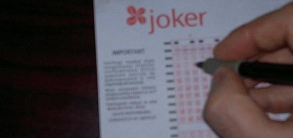 Se completeaza biletul Joker
