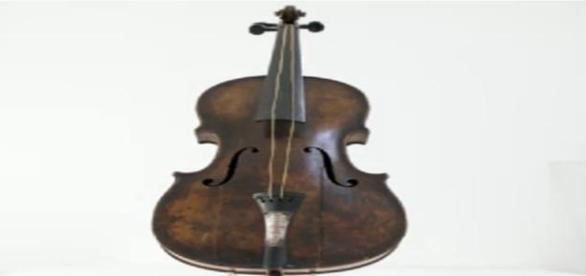 vioara s-a vandut la un pret record