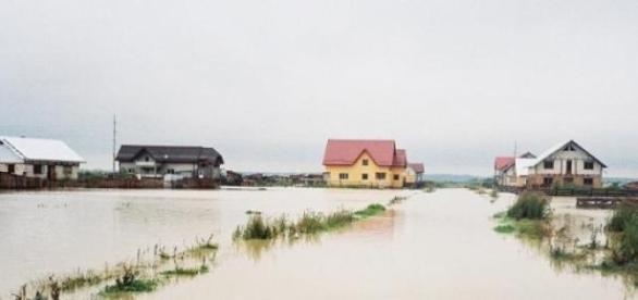 Inundatii din ploi si zapezi in Romania