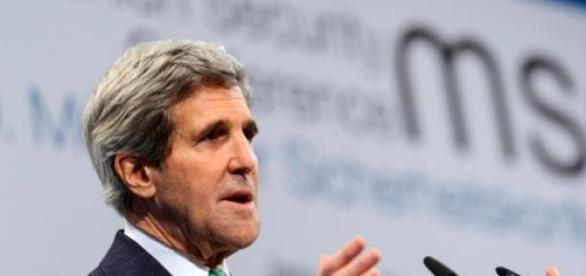 Kerry apelou a um clima de paz nas eleições.