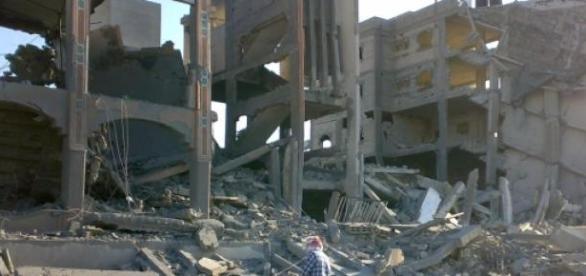 Une ville détruite par les bombardements