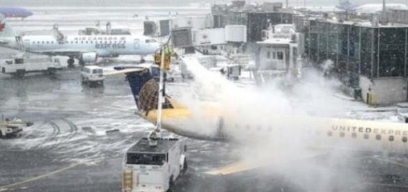 Por conta de Nevasca, companhias cancelam voos