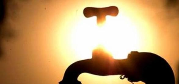 Sol quente e pouca água é mistura que não dá certo