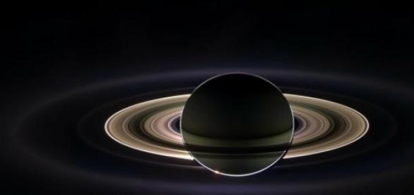 Imagem ilustrativa dos anéis de Saturno