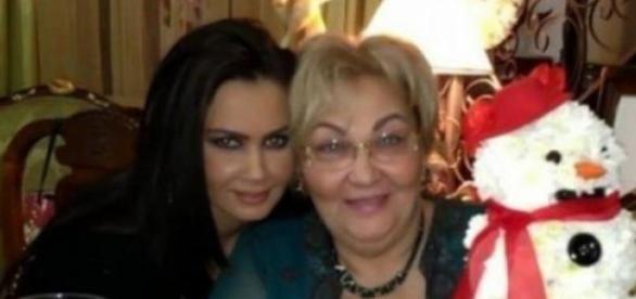 Oana Zavoranu si Marioara, mama ei