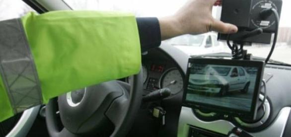 Sofer teribilist prins pe autostrada cu 230 km/h