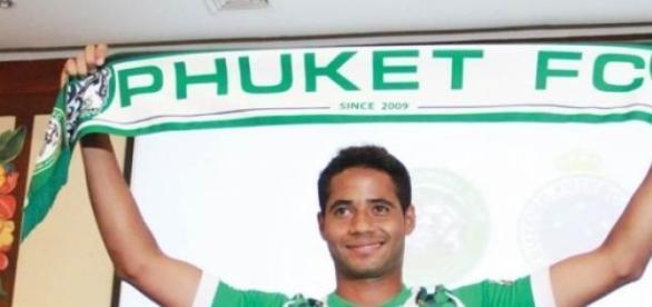 Cristian a ser apresentado no Phuket.