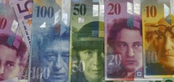 Dolarul a prins curaj in fata Euro