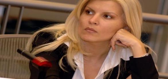 Elena Udrea dusa la DNA cu mai multe acuzatii