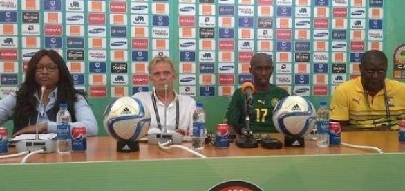 Volker Finke et le capitaine Stephane Mbia