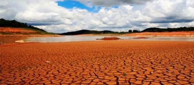 <p>O sistema Cantareira, antes ignorado pela mídia e opinião pública, agora é um dos assuntos mais falados e comentados, pois São Paulo e várias cidades que formam seu entorno chegaram ao nível mais grave de uma crise hídrica.</p>