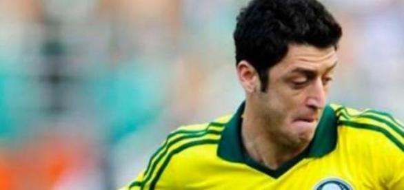 Felipe Menezes alvo de chacota no Brasil
