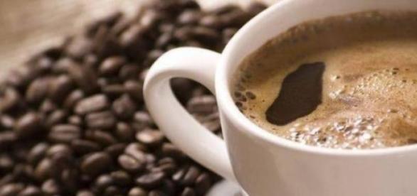 Micul dejun al unora incepe cu o cafea