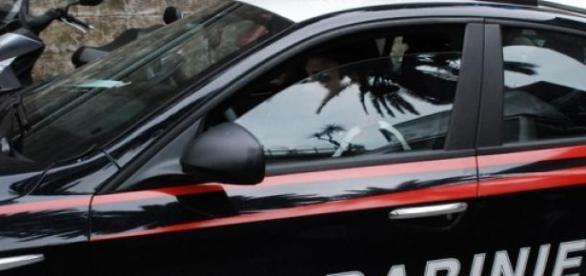 Carabinieri intervengono sul luogo dell'omicidio