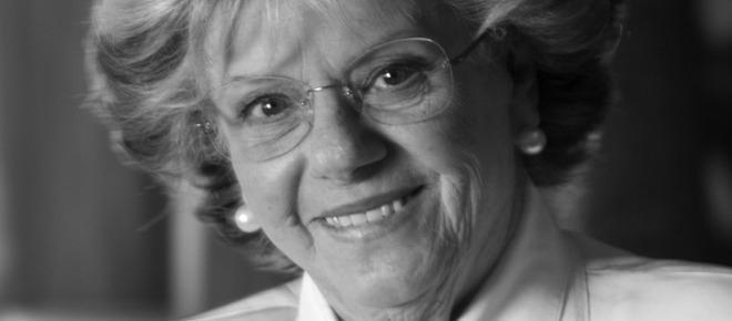 Filipa Vacondeus morreu esta terça-feira deixando um legado culinário de muito sucesso, marcado pelo seu estilo inconfundível e pela sua enorme paixão pela arte de bem cozinhar de forma simples e económica.