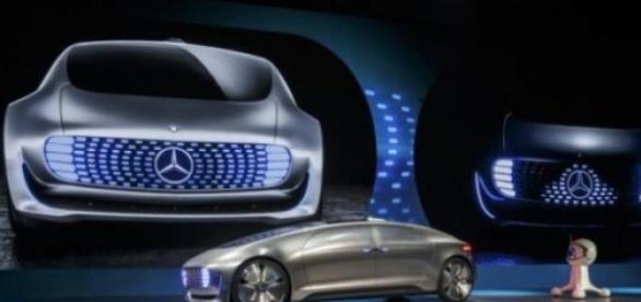 Mercedes-Benz presenta al F 015 Concept Car
