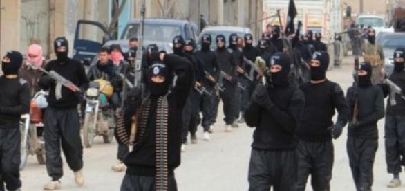 Militantes do ISIS em treinamento
