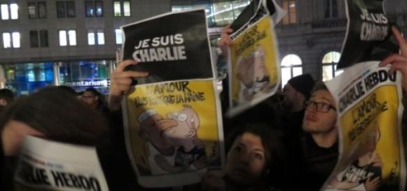 Rassemblement à Bruxelles, place du Luxembourg.