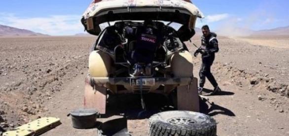 Carlos Sainz dice adiós al Dakar 2015