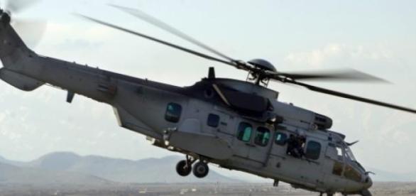 Helicópteros sobrevuelan la zona