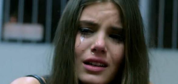 Camila Queiroz desabafa ao querer ser boa atriz