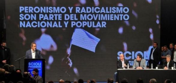 Más dirigentes de la UCR votarán a Scioli