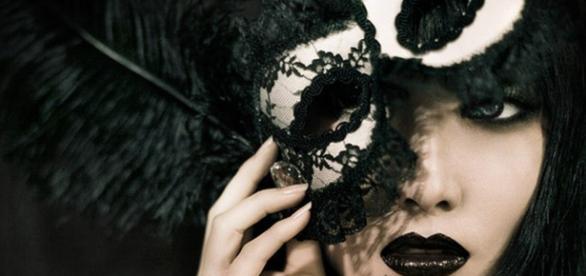 Mască, relație, cuplu, autenticitate