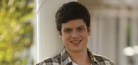 Eduardo Pires viveu Felipe em 'Vitória'