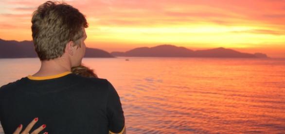 Pôr-de-sol em viagem para a Grécia.