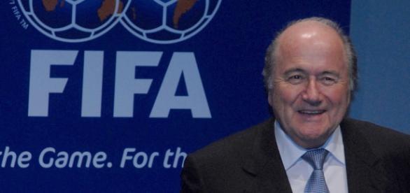 Blatter, acusado de corrupción