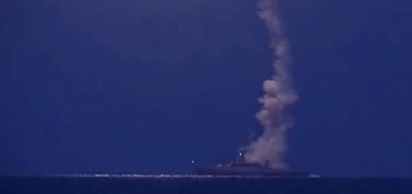 Rachete lansate de pe navele din Marea Caspică