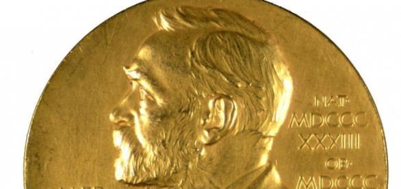 Distintivo de los Premios Nobel.