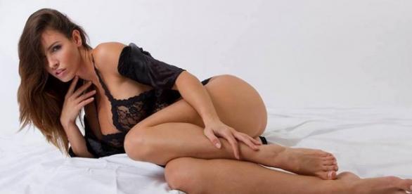 Lucia Javorcekova si spoglia dopo '#escile'