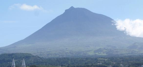 Montanha do Pico, o ponto mais alto de Portugal.