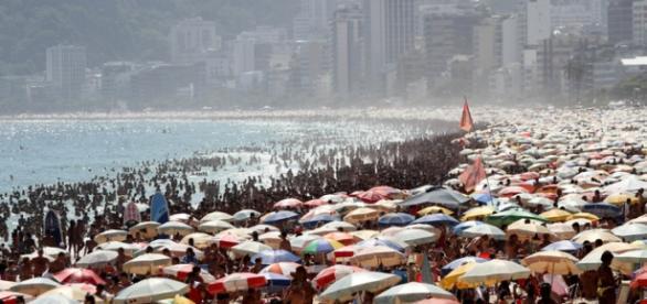 Praias do Rio de Janeiro estão lotadas