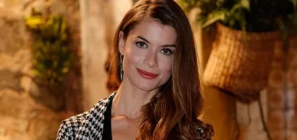 Alinne Moraes recebe alta de hospital