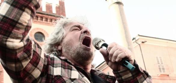 Beppe Grillo anima Italia 5 Stelle