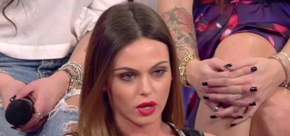 Doppio bacio per Silvia Raffaele