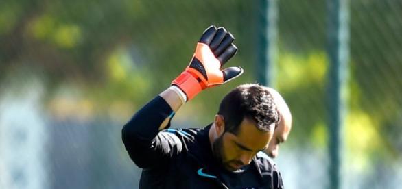 Bravo, principal novedad para enfrentar al Sevilla