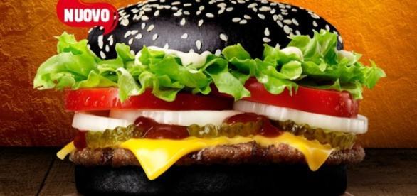 Halloween Whopper, il panino nero di Burger King