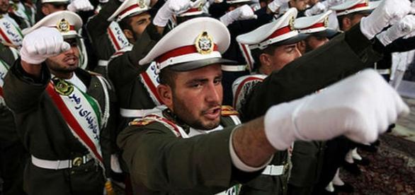 Paradă militară a trupelor iraniene