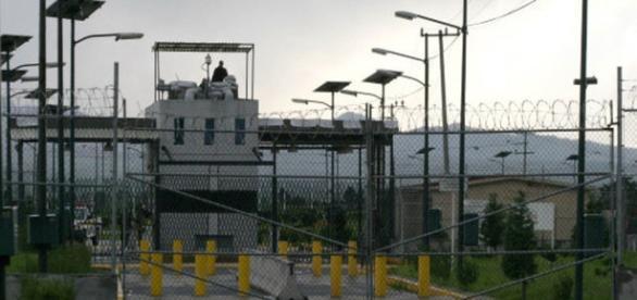 Penal del Altiplano, con sobre población